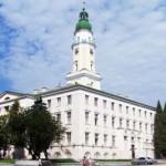 Башню Дрогобычской ратуши реставрируют альпинисты