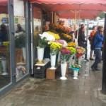До конца месяца во Львове уберут цветы с тротуара возле Стрыйского рынка и обустроят остановку