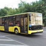 Во Львове водитель маршрутки поразил всех пассажиров своим поведением