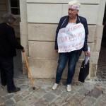 Под городским советом голодает львовская учительница