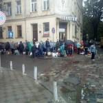 Стихийная торговля заполонила улицы Львова