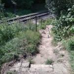 """""""Дорога в ад"""": львовские дети, добираясь до школы, могут легко попасть под поезд"""