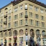 Семья львовского депутата обустроит в памятнике архитектуры возле Оперного апартамент-отель и кафе