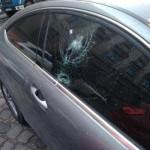 Во Львове из дома на авто упала кирпич