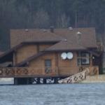 Суд не разрешил военным выселить Дыминского с домика на озере