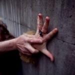 Во Львове неизвестный нападает на девушек и заставляет к интиму