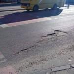 Во Львове жалуются на ямы на улице Садовой, которая была недавно отремонтирована (фото)