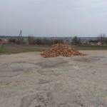 На Львовщине люди сами вынуждены ремонтировать дорогу