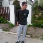 Во Львове среди белого дня молодой человек напал на мать с младенцем