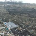 Свалка на Дрогобиччини загрязняет реку