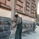Собственник помещения на Левицкого снова разрушал фасад исторического здания