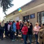 На Львовщине община заблокировала слушания по поводу норковой фермы (фото)