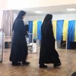 На Львовщине священник освятил участок и пытался проголосовать без паспорта