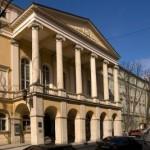 Президент отметил почетными наградами двух актеров театра им. М. Заньковецкой