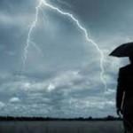 На Львовщине от удара молнии погиб мужчина