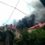 Черный дым на весь район: во Львове пожар