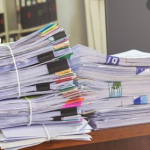 Украина с 1 октября полностью откажется от бумажного документооборота – Гончарук